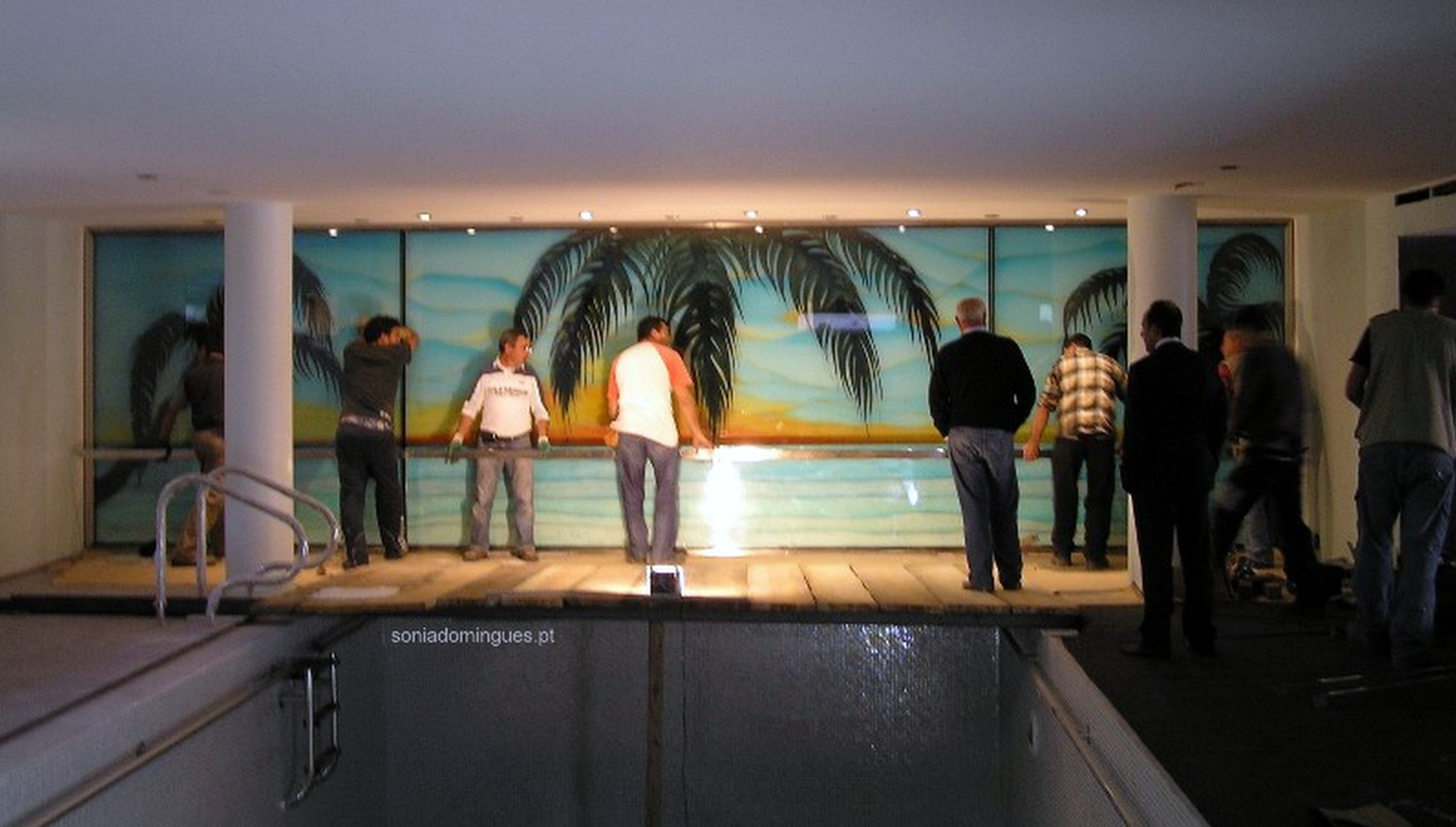 backstage of the stained glass to a pool by the master artist sonia domingues