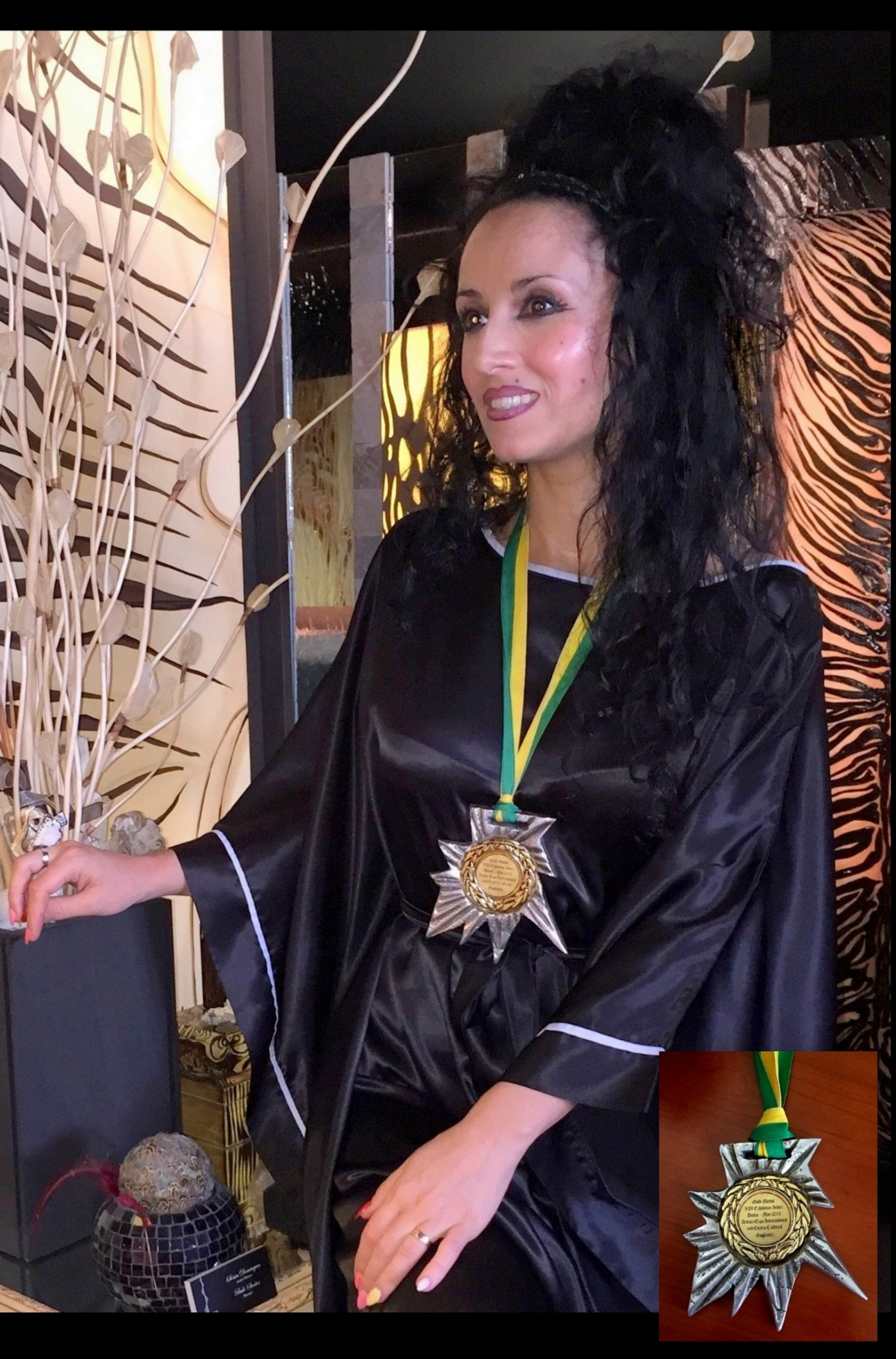 Gold Medal to the Artist Sonia Domingues Dubai World Trade Center 2015 2nd